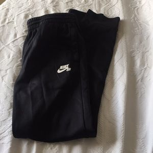 Boys Nike SB tapered Leg XL sweatpants
